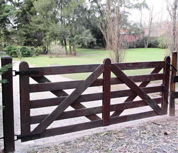 Wooden Tree Gate Design: Automatic Picket Gates For Driveways