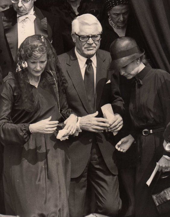 cary grant and barbara harris grant at the funeral of princess grace 1982 cary grant pinterest. Black Bedroom Furniture Sets. Home Design Ideas