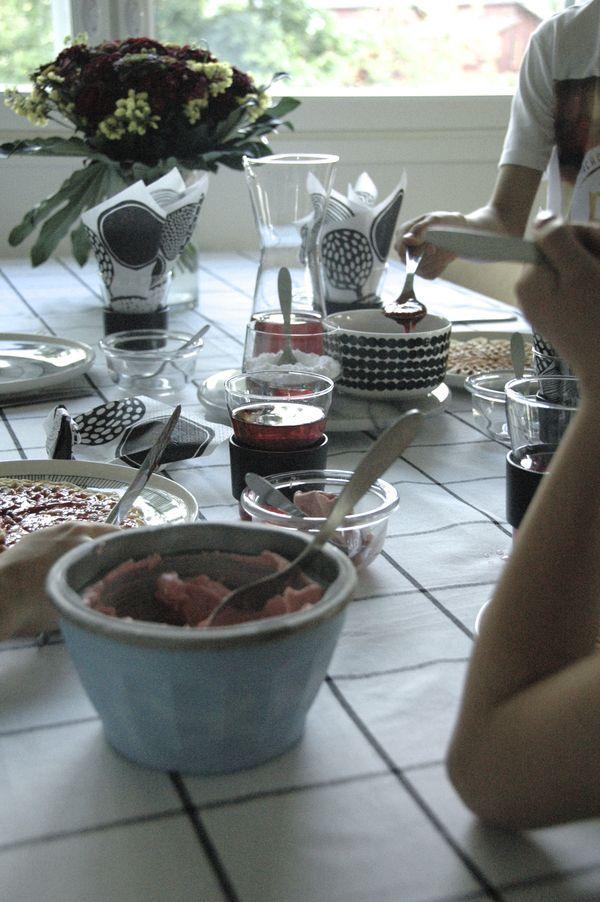 Kodin1, Vierasblogi ja arvonta: Moderni puutalo testasi OBH Nordican jäätelökoneen ja vohveliraudan #elamanikoti
