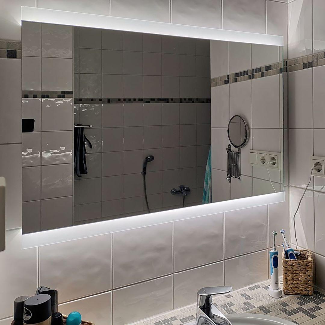 Noemi 2019 Design Badezimmerspiegel Mit Led Beleuchtung Zum Produkt Artikelnummer 2204001 Webse Bathroom Mirror Bathroom Lighting Lighted Bathroom Mirror