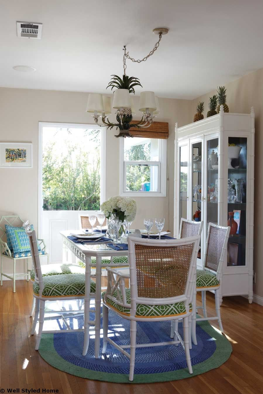 Romantic Dining Room: Beachy Dining Room: Dining Room Decoration Ideas