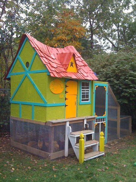 Playfully Painted Chicken Coop Backyard Chicken Coops Chickens Backyard Cute Chicken Coops