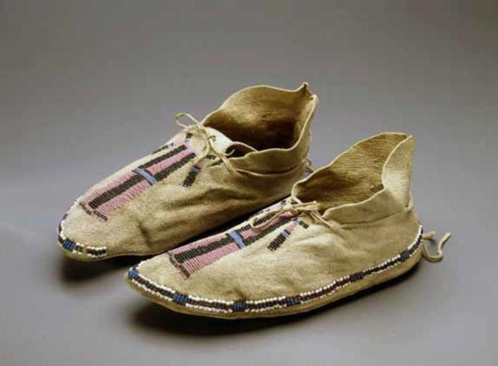 mocs, Chey or Arap ca 1850 Splendid Heritage