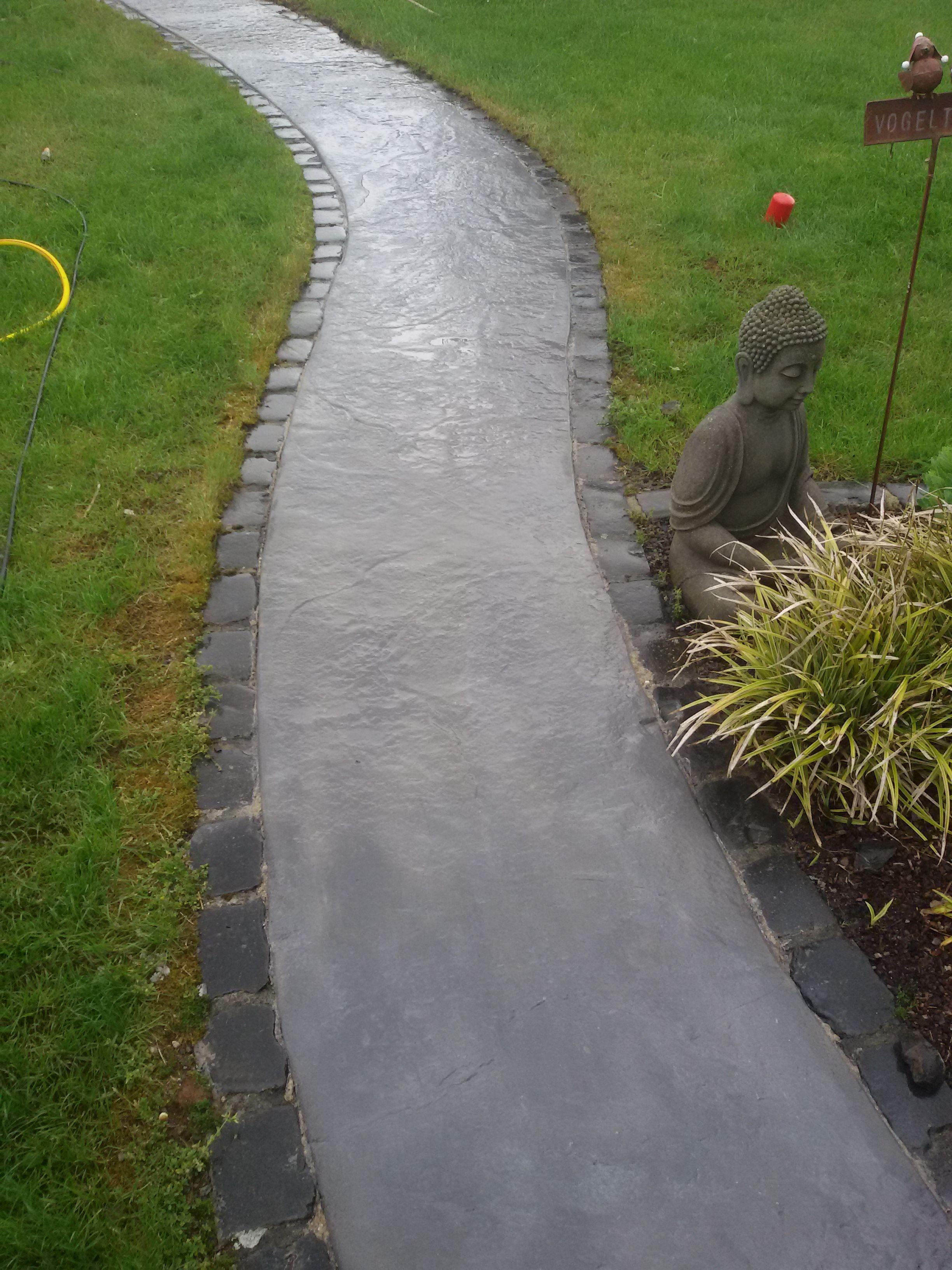 Wir Machen Die Asthetischsten Wande Und Boden Aus Beton Garten Beton Garten Betonweg