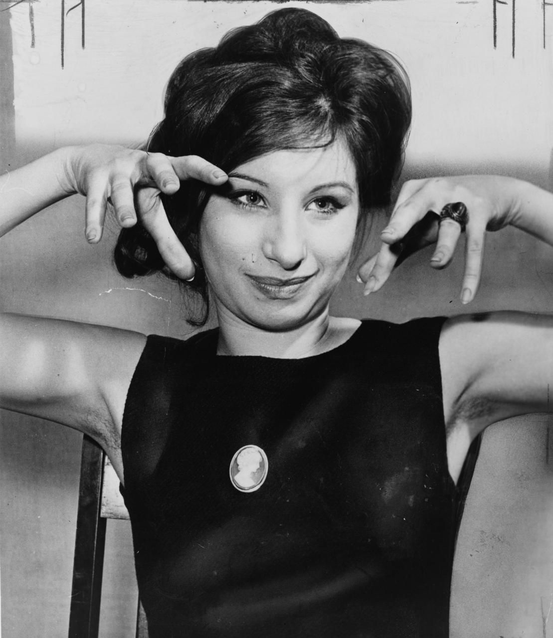 vintage armpits 1000+ bilder om Hairy Pits Club på Pinterest | Barbra streisand, Frida  khalo och Behåll styrkan