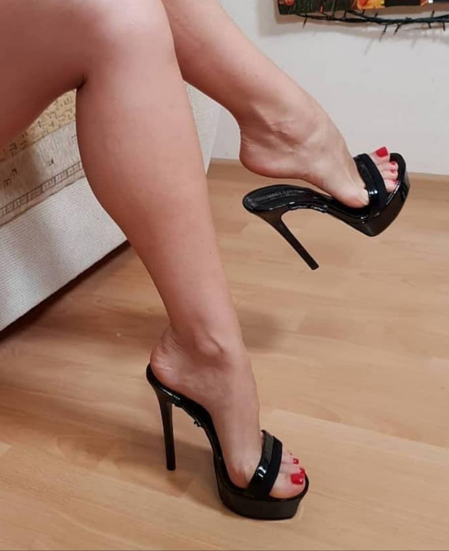 "Love feet 👠 on Instagram: ""#heel #heels #heelsaddict #heellove #heels👠 #heeladdict #shoelove #shoesaddict @heelsatwork @feelmyheels @stiletto_fetish3 @sexy_highheels2"" 1"