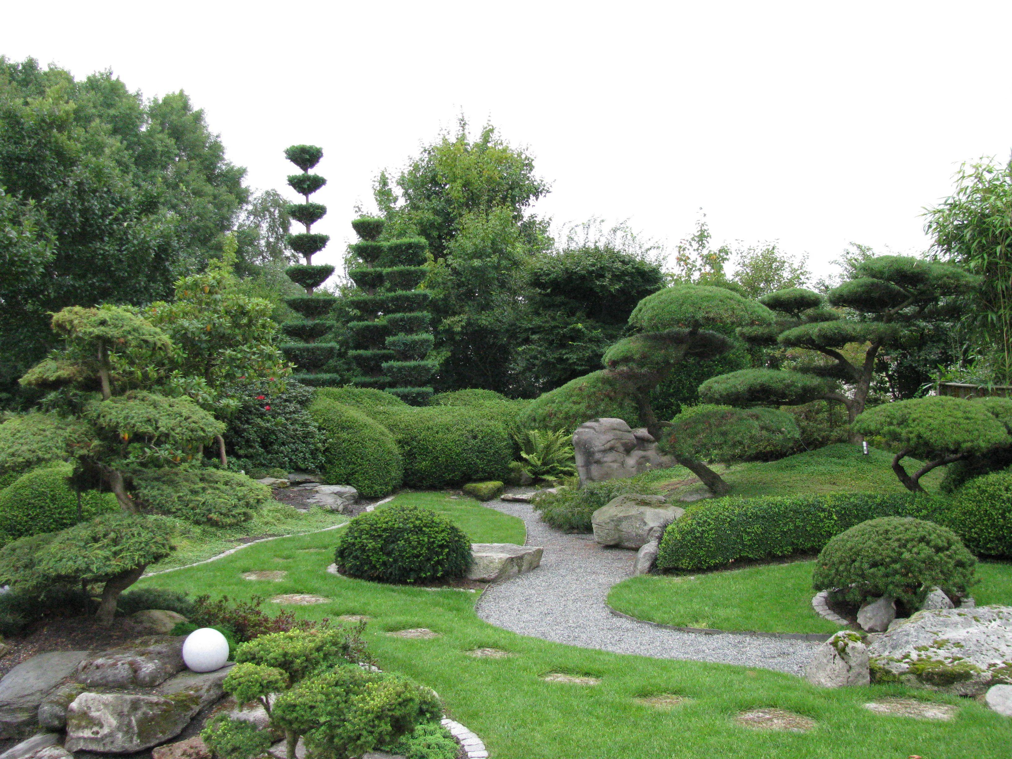 Auch Japanische Garten Kann Man Hier Finden Bad Zwischenahn Park Der Garten Japanese Garden Topiary Outdoor
