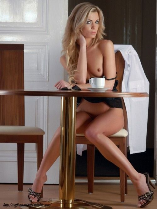 nude sexy girls tea time