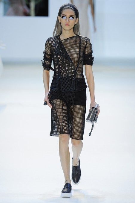 http://www.vogue.co.uk/fashion/spring-summer-2016/ready-to-wear/akris/full-length-photos/gallery/1497239