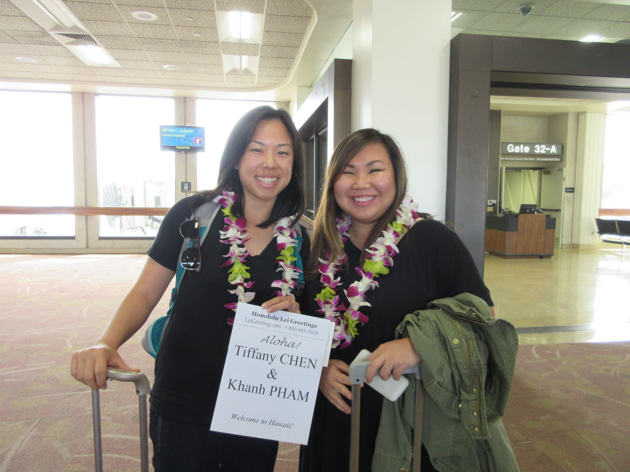 2815 Welcome To Hawaii Tiffany And Khanh They Traveled All The