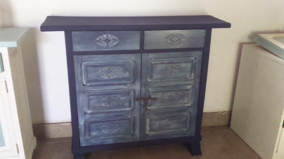 Mueble tipo con pintura a la tiza azul oscuro y patina blanca decoracion - Muebles a la tiza ...
