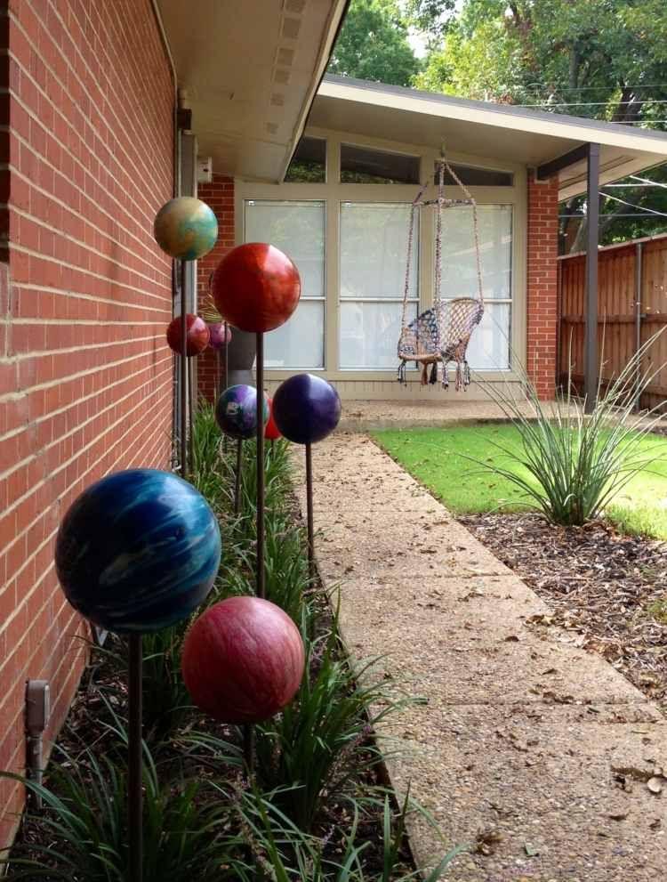 Décoration jardin planètes du système solaire en boules à bowling