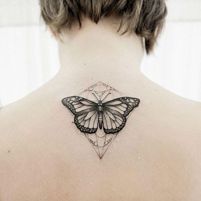 1001 designs de tatouage papillon pharamineux tattoo pinterest tatouage papillon. Black Bedroom Furniture Sets. Home Design Ideas