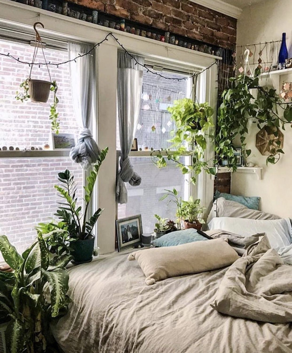 This Small Light Filled Bedroom Is Perfect For Plants