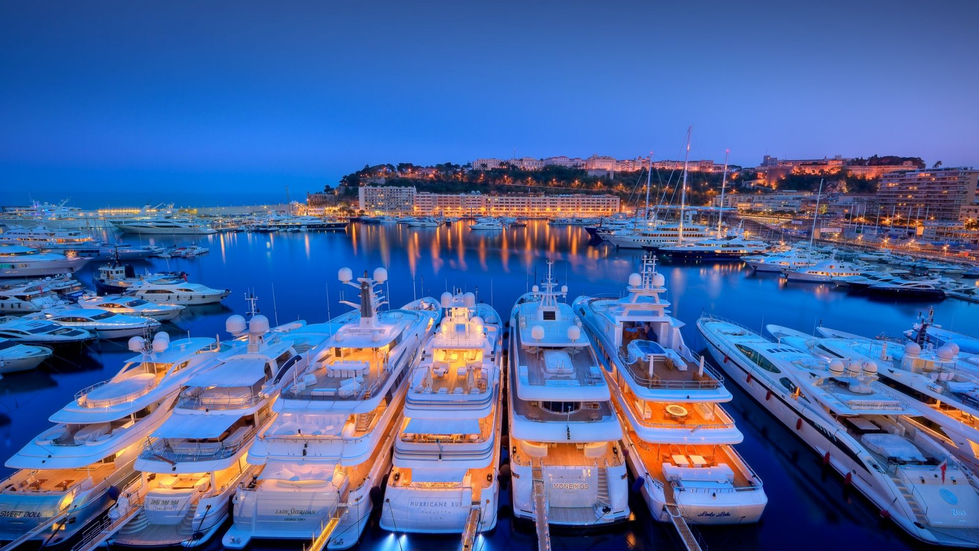 Living life in luxury with www.jwilenterprise.com Boats Yachts Harbor