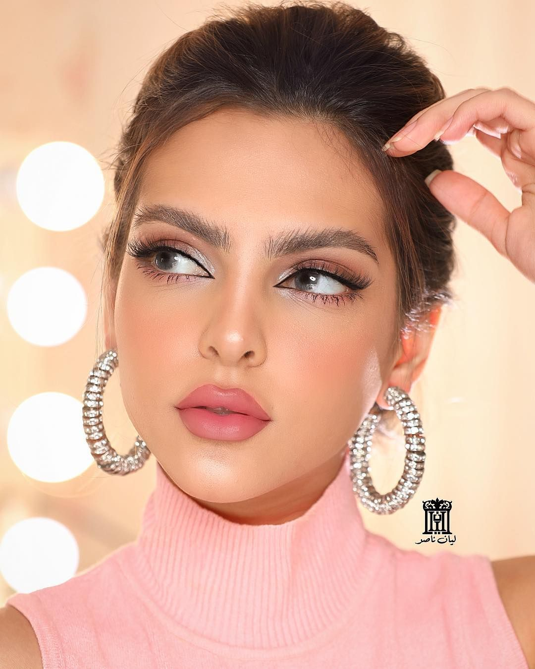 Lyan Nasser ليان ناصر On Instagram صورة ثانيه والشعر مرفوع الرموش رقم 12 Lyancosmeti Bridal Makeup Looks Stylish Girl Images Beautiful Girl Image