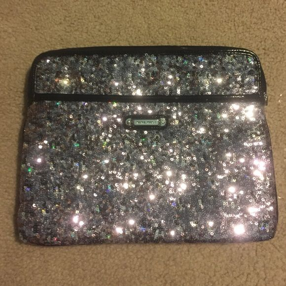 Nine West glitter iPad case Glitter iPad case never been used Nine West Accessories Tablet Cases