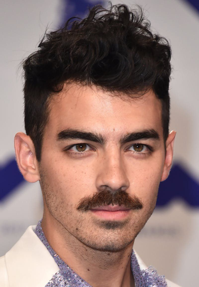 Joe Jonas Just Debuted A Massive Mustache At The 2017 Mtv Vmas And Twitter Is Freaking Out Joe Jonas Mustache Styles Moustache Style