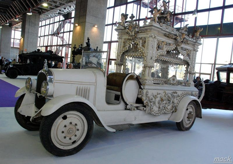Старинные и необычные автомобили-катафалки. Продолжение. - Интересное и забытое - быт и курьезы прошлых эпох.