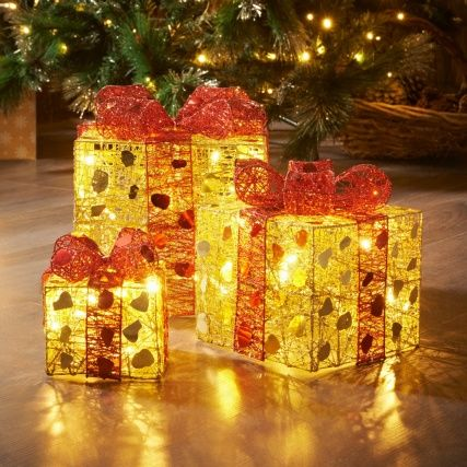 313185 3 Lit Parcels Gold1 Http Www Bmstores Co Uk Products 3 Light Up Parcels Gold Red 3131851 Decorazioni Natalizie Decorazioni