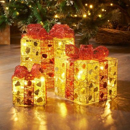 313185 3 Lit Parcels Gold1 Http Www Bmstores Co Uk Products 3 Light Up Parcels Gold Red 3131851 Decorazioni Natalizie Decorazioni