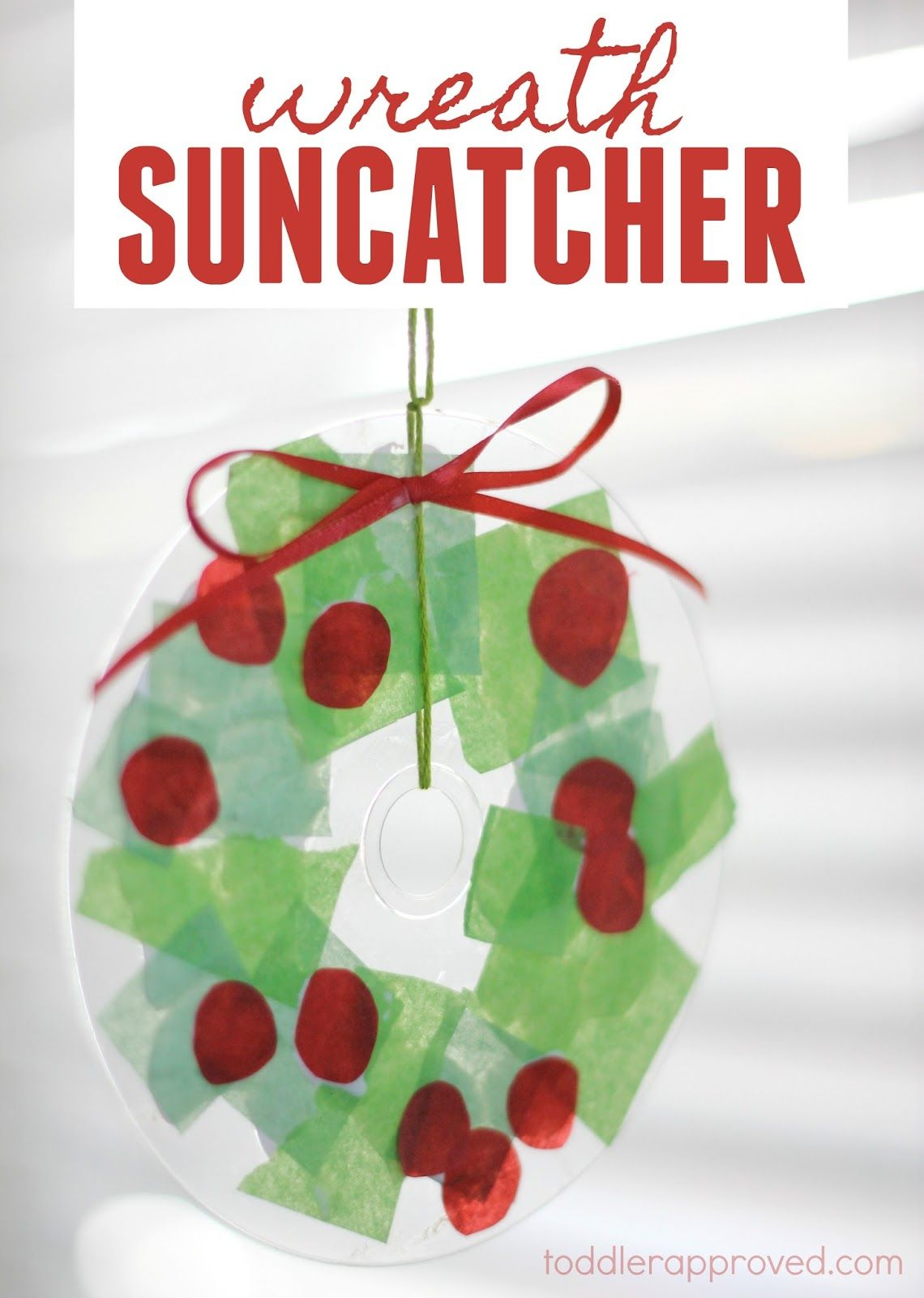 simple christmas wreath suncatcher for kids - Simple Christmas Wreaths