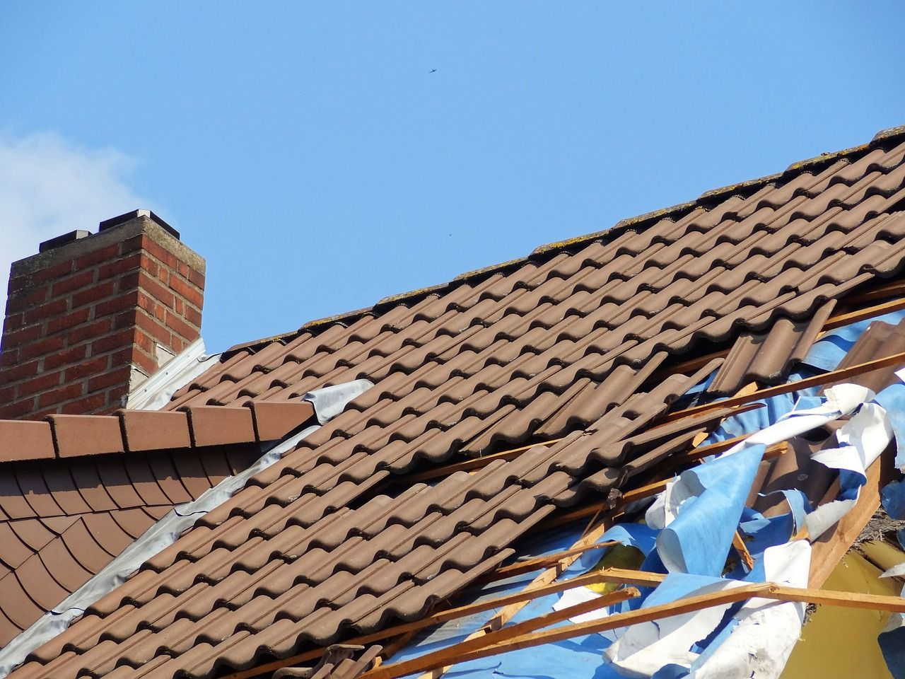 Hail High Winds Or A Fallen Tree May Have Damaged Your Roof Whatever The Reason We Can Repair It In 2020 Emergency Roof Repair Roof Repair Roof Damage