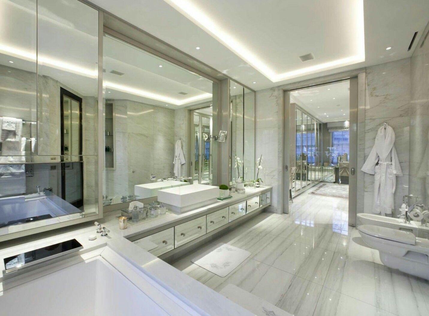 Große Bäder, Luxus Badezimmer, Große Badezimmer, Lebensstil, Wohnträume,  Architekten, Badezimmer, Träume