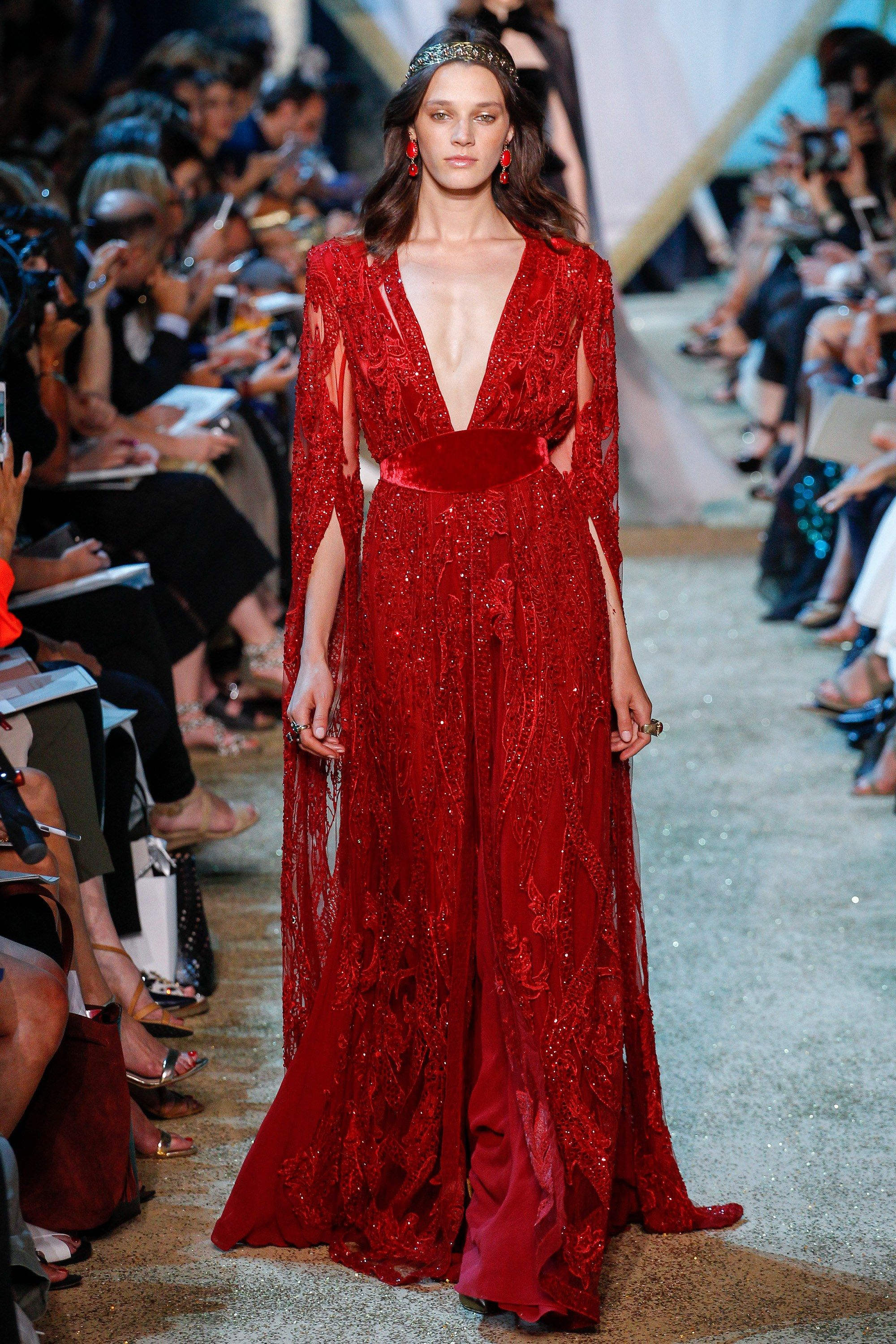 Elie Saab Fall 2017 Couture Collection Photos - Vogue | Couture fashion, Elie  saab couture, Couture collection