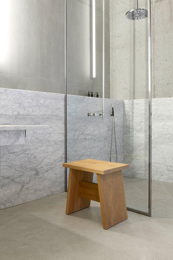 Hocker Langley Moderne Badezimmer Von E15 Modern Homify Hocker Badezimmer Design Schemel Holz