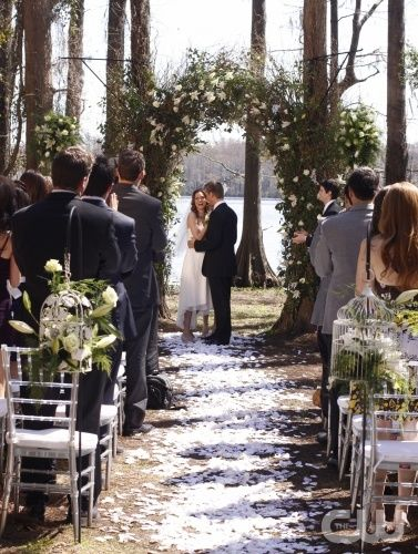 Ever since I saw this on my favorite TV show One Tree Hill I have wanted an outside wedding like this.