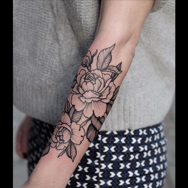 A Stunning Black Dot Work Style Outline Rose Tattoo Inked On The Left Arm Rose Outline Tattoo Black Rose Tattoos Rose Tattoos