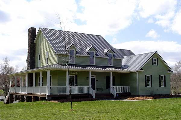 Three Bedroom Farmhouse With Large Bonus Room Above The Garage. Farm House  Plan # 131022. | Farmhouse Home Plans | Pinterest | Bonus Rooms, Farm House  And ...