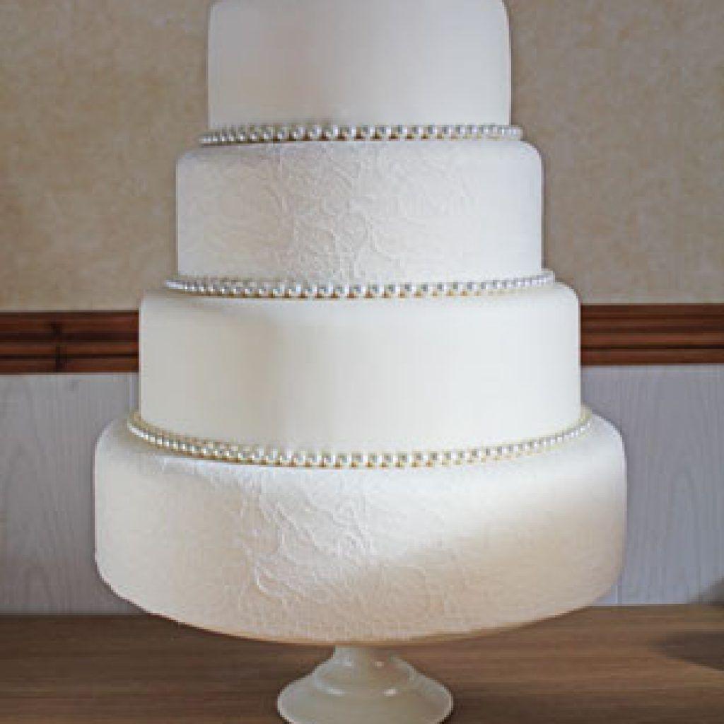 Diamond Wedding Cakes Pictures, Edible Diamond Ribbon For Cakes ...