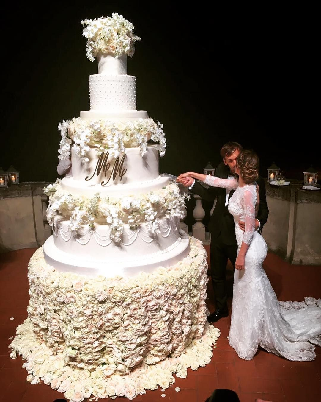 Caption This Manolo Gabbiadini Amp His Giant Wedding Cake Giant Cake Cake Order Forms Cake