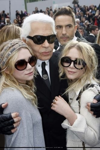 w Karl Lagerfield   Chanel...mary kate and Ashley! ...   King Karl ... 6e6d9cb065a0