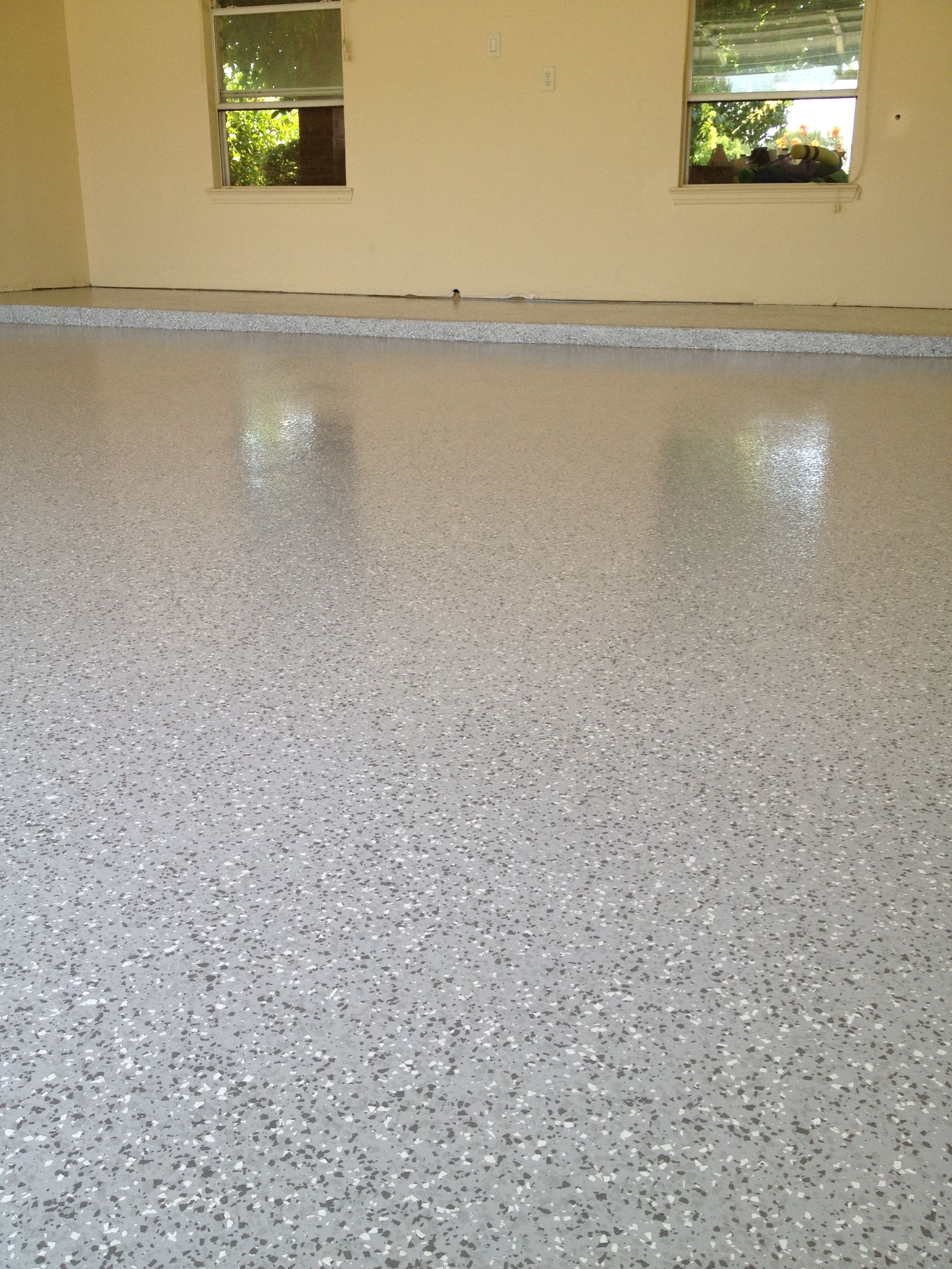 1 4 Gray Flake Blend Medium Broadcast On Whisper Gray Epoxy Vapor Barrier Finished With One Coat Of Clear Polyuret Garage Floor Paint Epoxy Floor Garage Floor