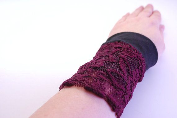 Reversible Stretch Wrist Bracelet BLACK and by stunninglooks, €5.95