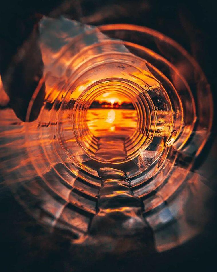 Etkileyici Fotoğraflar Çekmek İçin Yaratıcı Püf Noktaları Kullanan Fotoğrafçı - FarklıFarklı