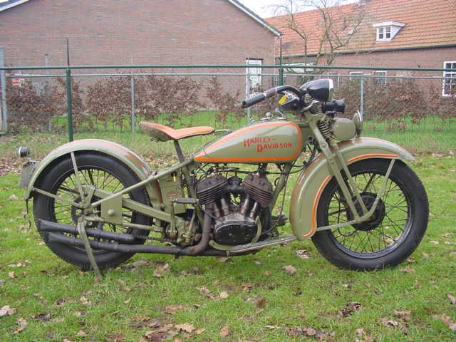 In August Of 28 Harley Davidson Introduced The 1929 D Model For The Sale Price Of 290 00 Harley Davidson History Harley Davidson Motorcycles Harley Bobber