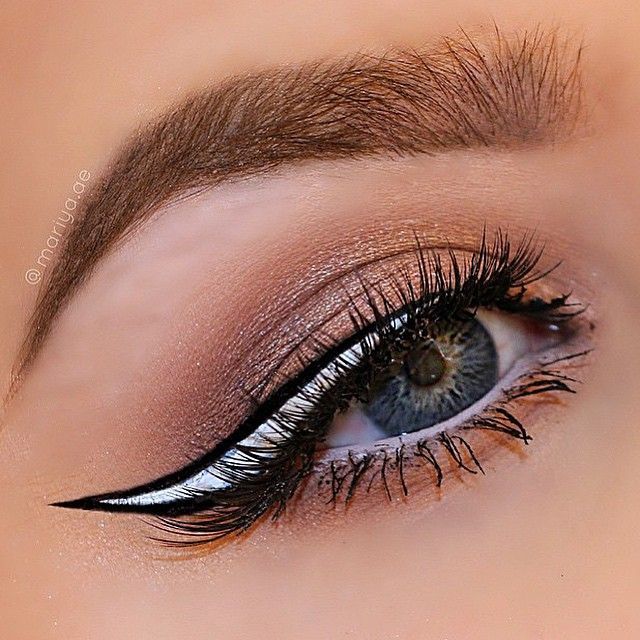 Wing perfection via @Mariya.ae in #LunarSea -Check out her page more details on this look✨  Tag #LimeCrime to have your work featured!