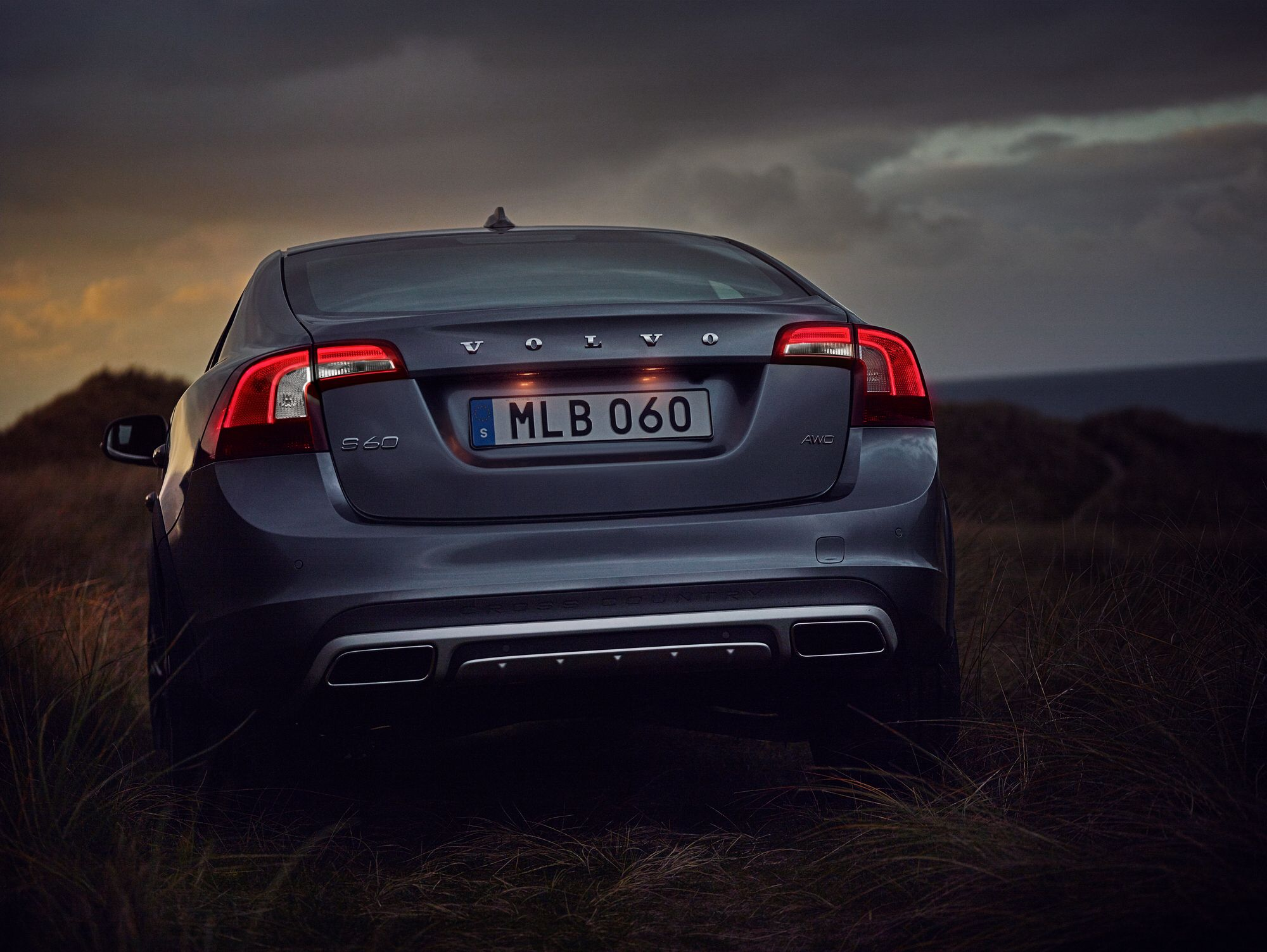 Volvo S60 Cross Country >> The New S60 Cross Country Showing Off Its Bold Stance