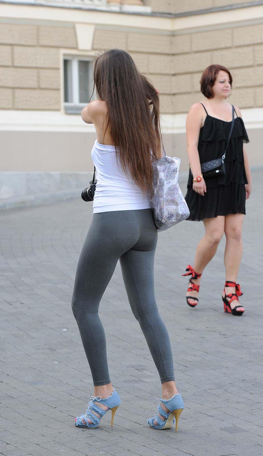 Tight backside - uPants | Girls | Yoga pants, Girls in ...
