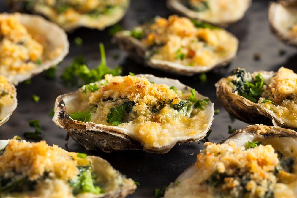 Le ostriche alla Rockfeller sono un raffinato antipasto di mare ...