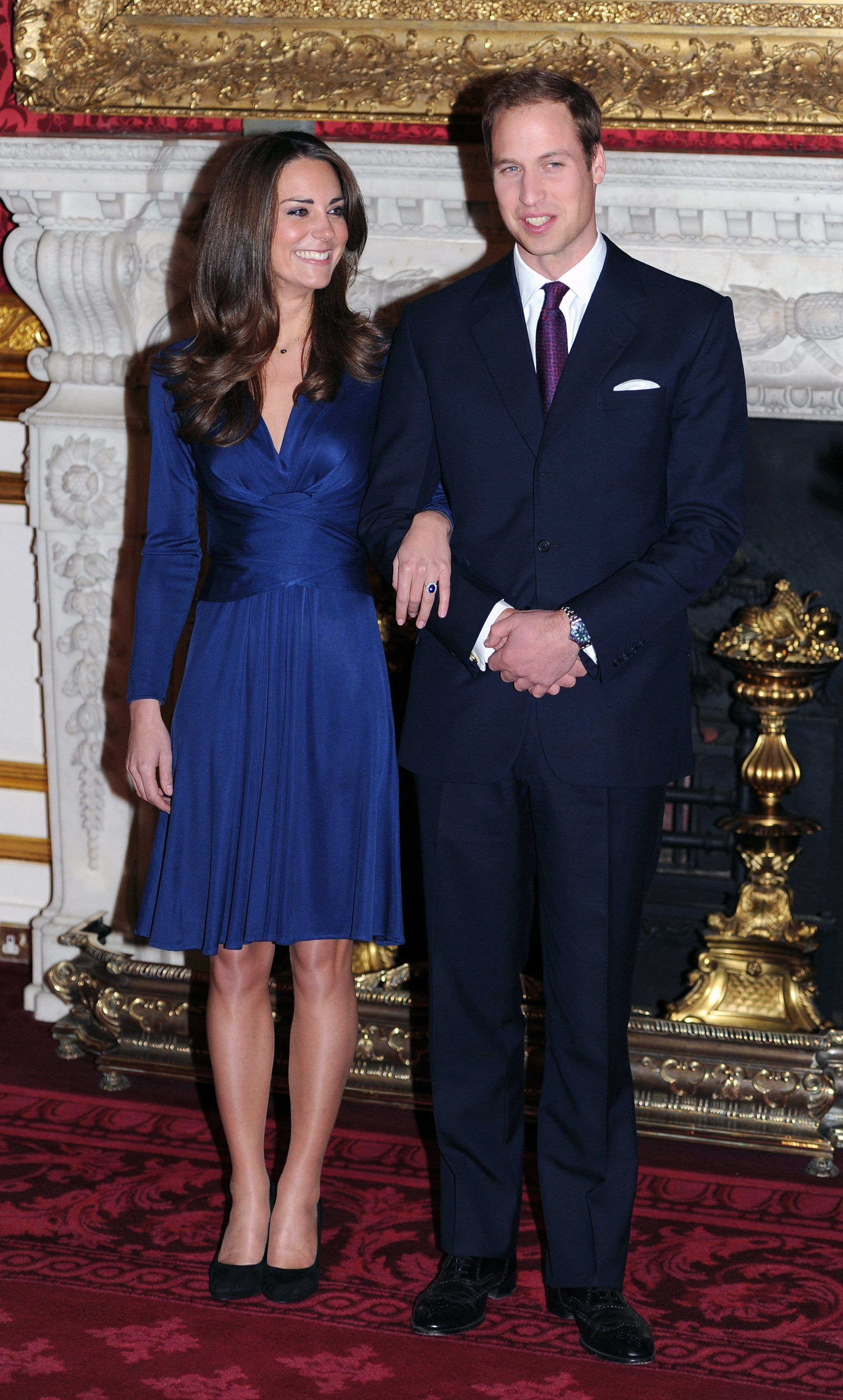 Kate Middletons Iconic Engagement Dress Is Now Super Affordable