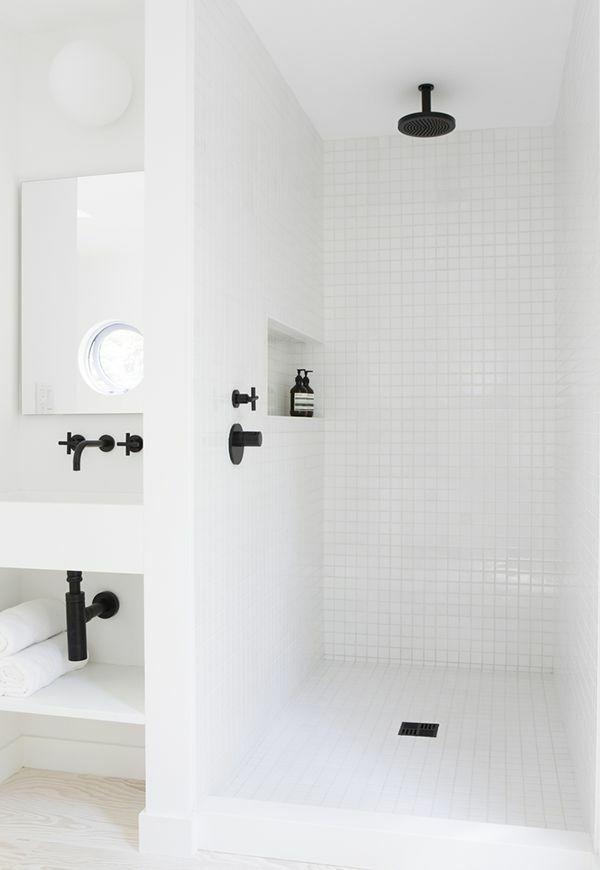 Kleines Bad Fliesen Helle Fliesen Lassen Ihr Bad Grosser Erscheinen Dusche Renovieren Kleines Bad Fliesen Bad Fliesen