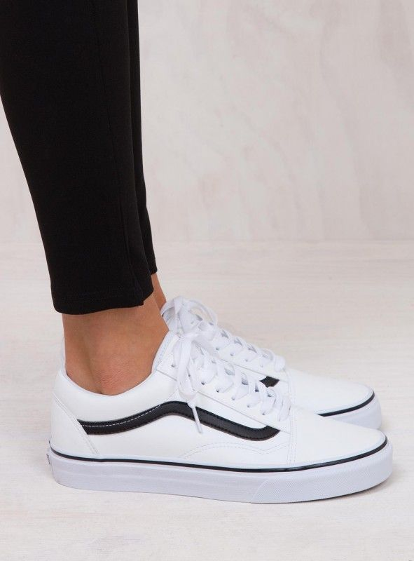 cf15357135 Vans Classic Tumble White Old Skool