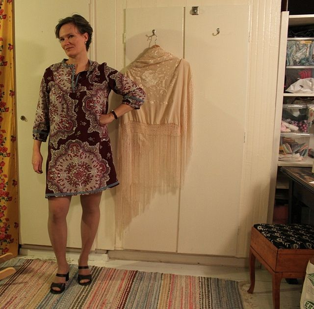 love the fabric she used for her tova dress