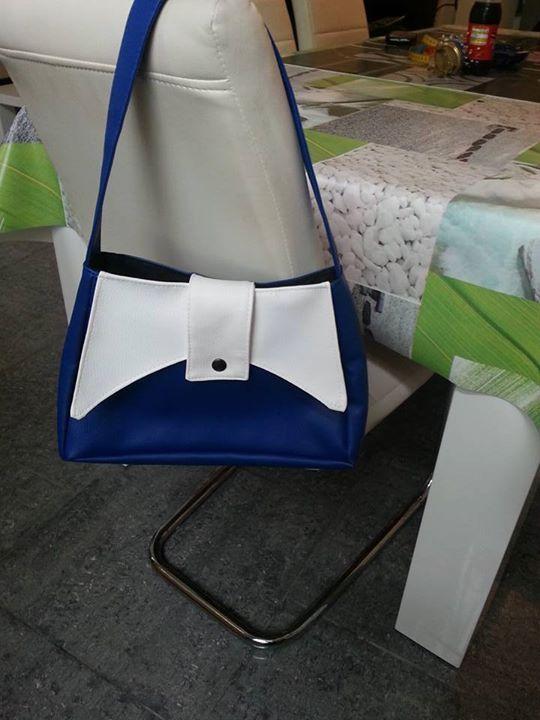 Sac Ava bleu et blanc cousu par Mireille - Patron de couture Sacôtin