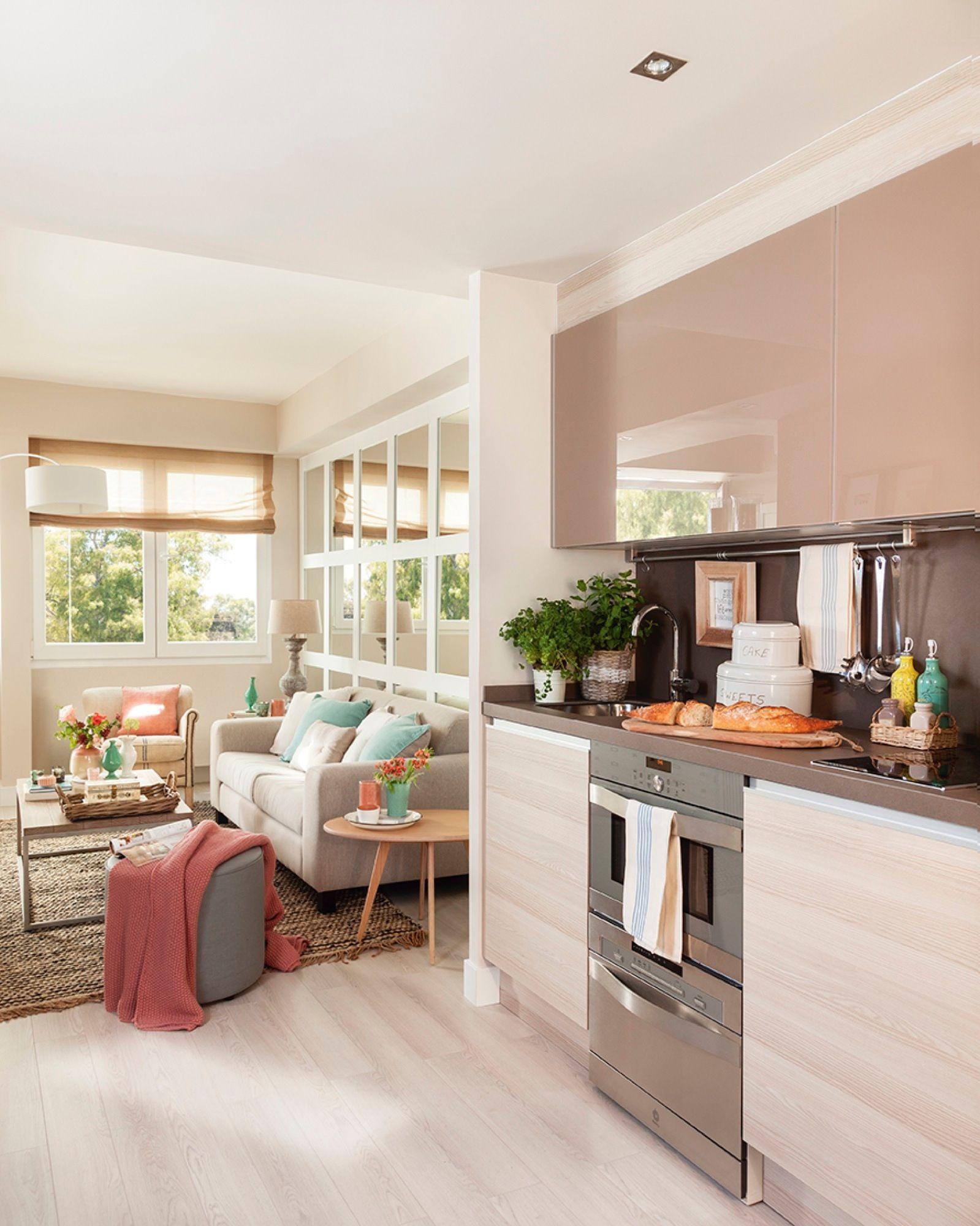 Cocina pequeña abierta al salón | El comedor, Salón y Comedores